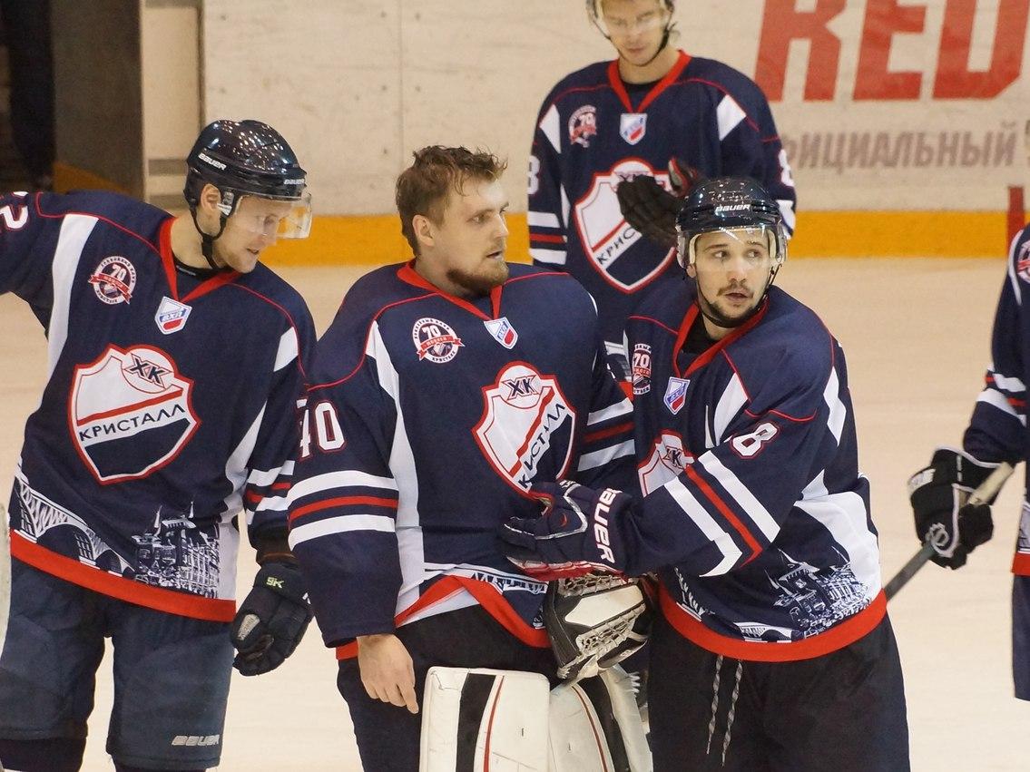Саратовской областной федерации хоккея угрожает банкротство