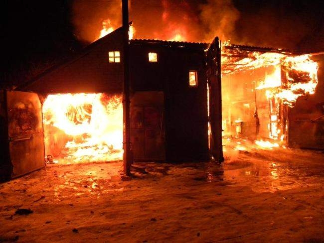 Напожаре вгараже пострадал 33-летний мужчина