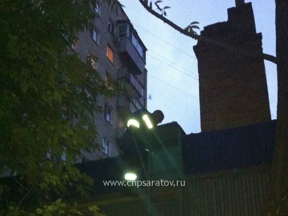 ВСаратове 68-летний пенсионер выпал изокна 7-го этажа