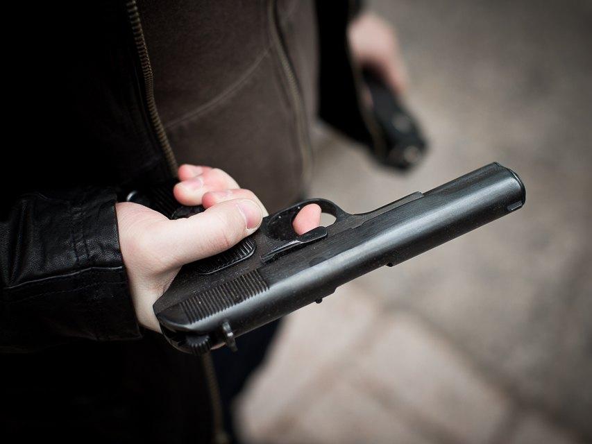 ВСаратове предпринимателя задержали застрельбу из«Макарыча» наулице