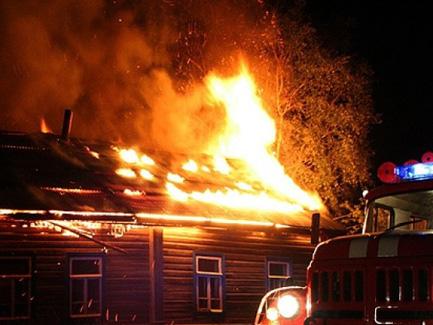 Женщина и ребенок погибли впожаре вСамойловке