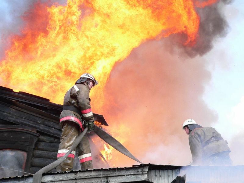 Напожаре вдачном домике умер мужчина