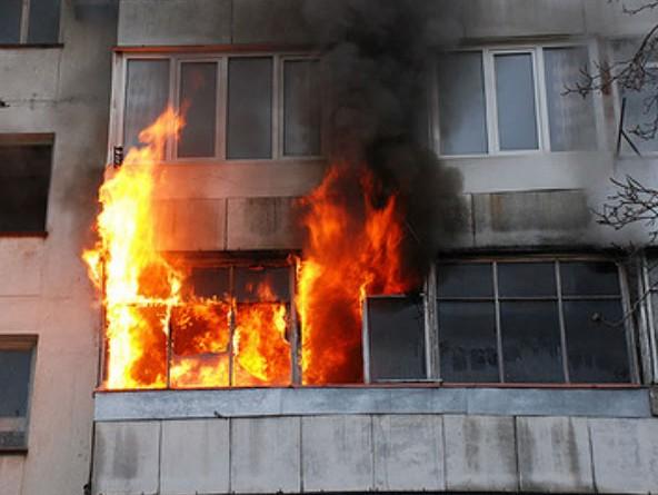 Пятилетний парень поджег мягкую игрушку иустроил пожар