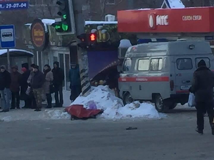 Наостановке вКировском районе скончалась женщина