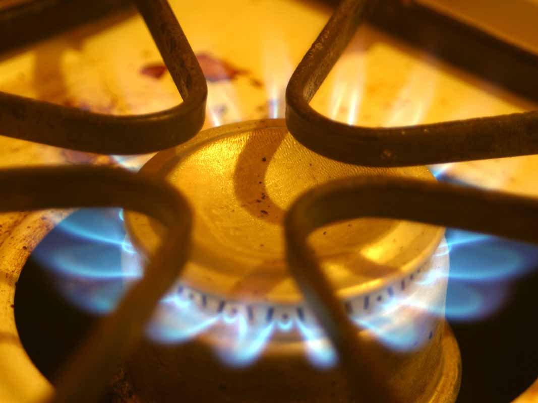 Ребенок идвое взрослых отравились угарным газом вЗаводском районе