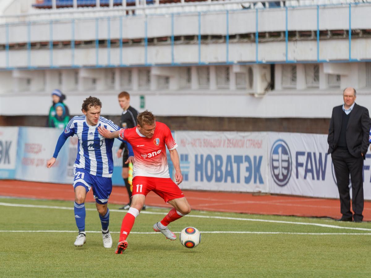 Экс-игроки «Сокола» одолели саратовский клуб впервом матче года