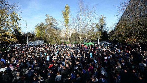 СМИ: беспорядки в Бирюлево прошли по пугачевскому сценарию - Общественное мнение Саратов Новости Сегодня