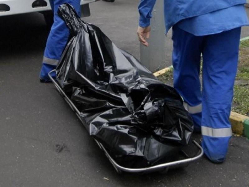 Водворе пятиэтажки наПолитехнической найдено  тело молодой женщины