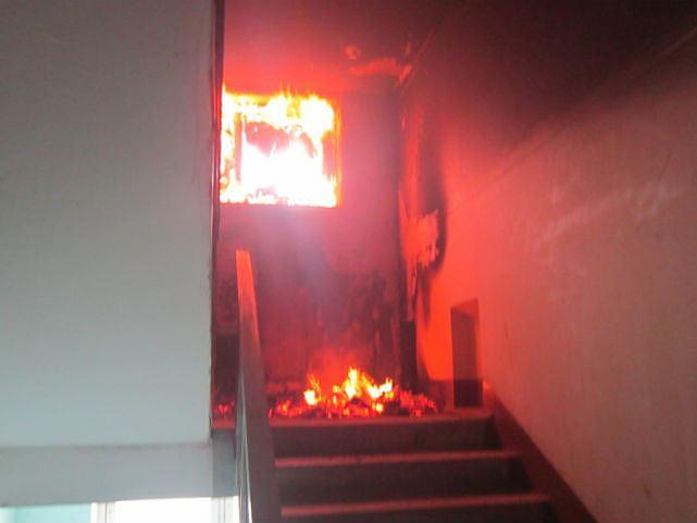 Ночью висторической части Саратова горел двухэтажный дом
