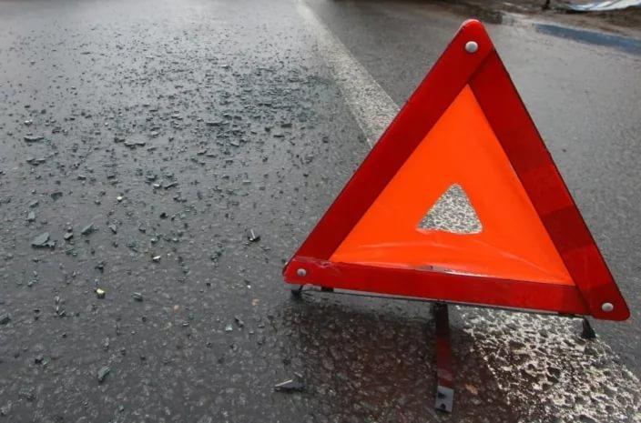 Вужасном ДТП с фургоном под Саратовом пострадали 5 человек