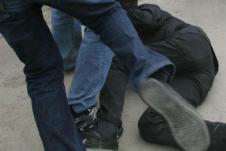 Школьники избили незнакомца вЛенинском районе