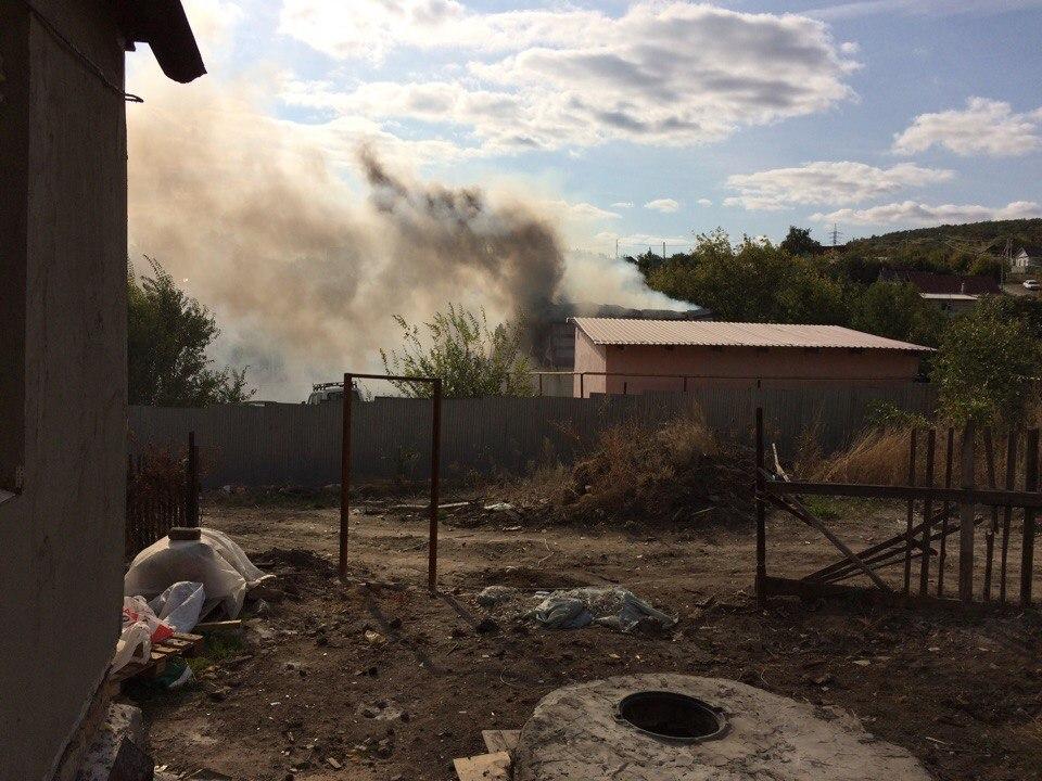 Изгорящей десятиэтажки вСаратове эвакуировали 30 человек
