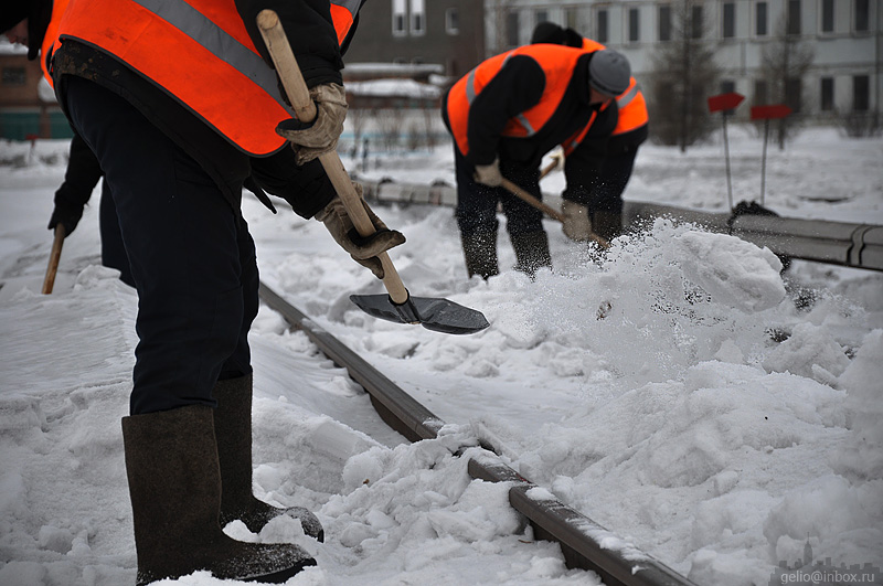 Уборка снега на крыше охрана труда