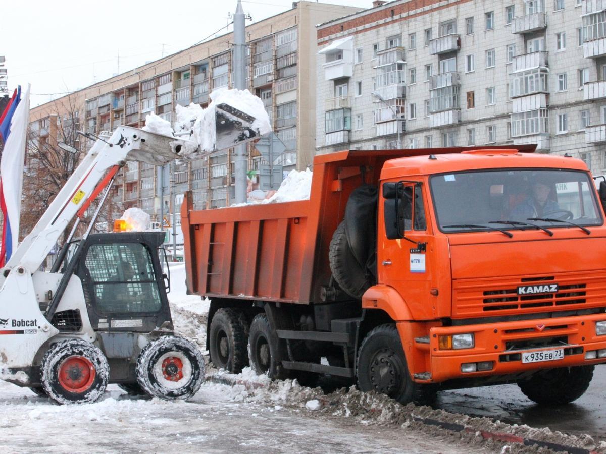 Уборка снега весной картинки