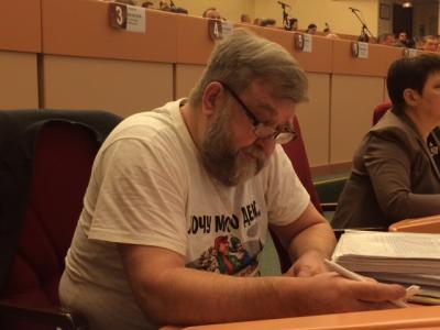 Александр Ванцов впервые пришел на заседание гордумы после избиения